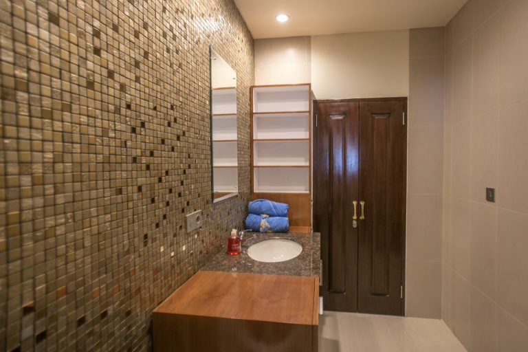 bathroom wall realestate
